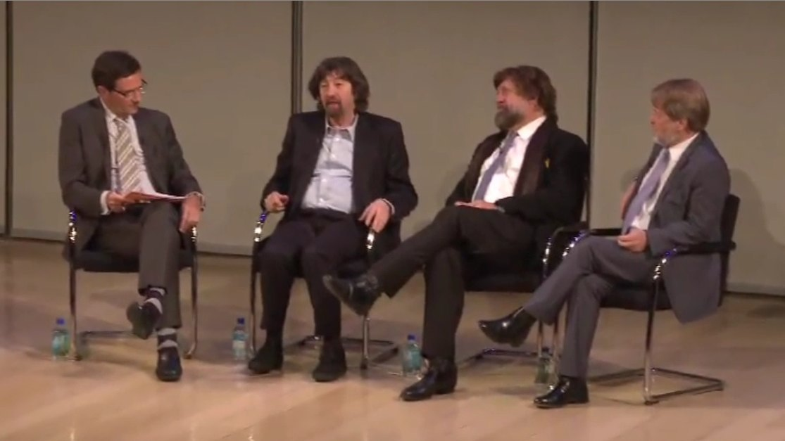 Stephen Segaller, vice president for programming of WNET, moderates a panel discussion with Sir Trevor Nunn, host of <i></noscript><img class=